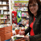 <h5>Easons signing tour</h5>